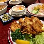 57343004 - ホイコーロー定食と唐揚げ定食(2016.10現在)