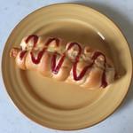 プチ・トリフ 山屋 - ウインナーパンです。