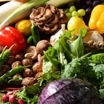 炭焼き&ワイン ドリフト - 季節の新鮮野菜サラダや炭焼きで❗