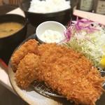 松のや - 本日のブランチw  松のやのロース&牡蠣  ヘアサロン帰りに突然揚げ物が食べたくなり、松のやへ( ^ω^ )
