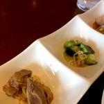 チャイナ食堂 九龍 - 小鉢の3品、ズリ、きゅうり、海老と里芋