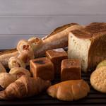 メゾン・ドゥ・ブレ - さまざまな種類のパン