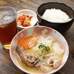 肉八や - ランパラ500円メニュー