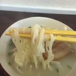 まるやす - 麺リフト