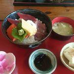つきじ - 海鮮丼1380円