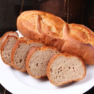 ワインに合うパンを目指してます!