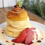 エルク - [季節限定]安納芋ブリュレと洋ナシの赤ワインサングリアソース