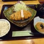 とんかつ処倉敷浜田屋 - ご飯は麦。