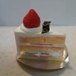 パティスリー ニコ - いちごのショートケーキ