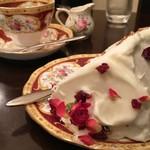 カフェ シャンソニエ アコリット - シフォンケーキ