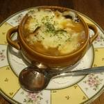 ラ ステラ - オニオングラタンスープ