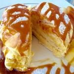 57389834 - キャラメルアップルパンケーキ(断面をパチリ!)