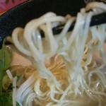 57391247 - 塩ラーメン(大盛)の麺のアップ