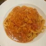 57401605 - トマトとニンニクのスパゲティ