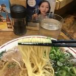 57402174 - 麺リフト