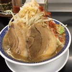 57403336 - 稲妻そば+チャーシュー一枚、野菜増し(2016.10再訪)