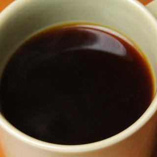 一杯ずつていねいにいれるコーヒー