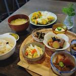 豆豆菜菜 - 料理写真:限定ランチ(この日はチキン南蛮)1380円(コーヒー付き)