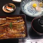 57413516 - 2016年9月:上焼き穴子重(\1650+税)…お味噌汁とお漬物付き