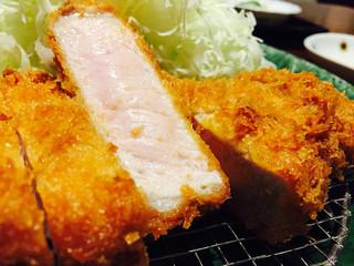 富山豚食堂 かつたま - 厚切りロースカツ