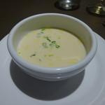 フレンチレストラン にき亭 - 冬瓜としょうがのスープ。しょうがが効いてスパイシー。