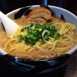麺屋武蔵 武骨 - ら〜麺 870円