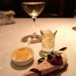 ダノイ高輪 - デザートと白ワイン
