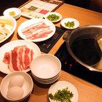 57418584 - チキンスープ・すき焼きスープ