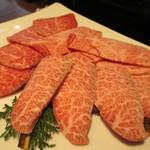 57424516 - 最高級黒毛和牛・焼肉盛り合わせ(ミスジ、ザブトン・特選物)