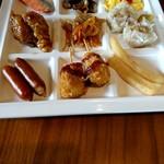 鳴子ホテル - 料理写真:朝食です…めっちゃ同じような色彩(笑)