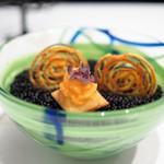 エディション・コウジ シモムラ - キャサバのマルチカラーチュイル 鱒と唐墨 パンスフレ
