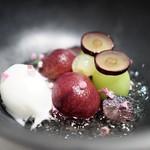 エディション・コウジ シモムラ - 4種葡萄とヨーグルトとハーブのグラス 葡萄のジュレ