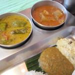 57429535 - 冬瓜のサンバルと、野菜のココナツカレー♪チャトニ。