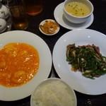 華都飯店 博多 - ◆華都ランチ・・メイン2種・スープ・ご飯(お代わり可能)・ザーサイ・デザートのセット。