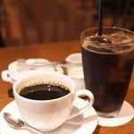MUU MUU DINER - ドリンクはコナ・ブレンドコーヒーのホットとアイスを 1つずつ注文したよ。
