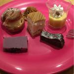 デザート王国 - ケーキは小さめで色んな味を楽しめる