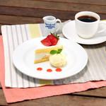 CAFE TERRACE FRuful! - 人気の定番イチゴショート