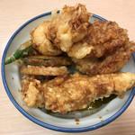 さん天 - 料理写真:鶏づくし親子天丼590円(税込)