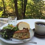 パン ド ムシャムシャ&コーヒー - キッシュプレート