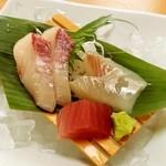 活魚料理一徳 - 活魚料理一徳@丸亀 天刺し御膳の刺身(カンパチ、鯛、まぐろ)