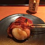 虎串 - 煮卵ベーコン巻(¥250)