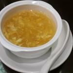 鵬天閣 - カニみそとフカヒレ入りスープ