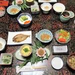湯ヶ島温泉 湯本館 - 朝食セッティング
