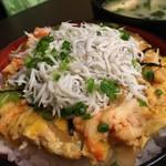 57455759 - しらすと本タラバガニの卵とじ丼