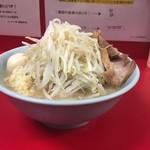57460624 - 161008ラーメン700円野菜増し増しニンニク+味玉子100円
