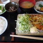 Oniwasoto - とり南蛮1000円 ごはん少な目