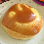 57464190 - バタークリームパン