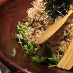 山形山 月島店 - 豆苗サラダ