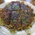 お好み焼き きよ - 料理写真:お好み焼き 450円 (2016.10)