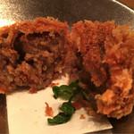 Kokoromai - 先に肉は味を付けて調理。中がレアとは違う仕事が光るメンチは美味い!